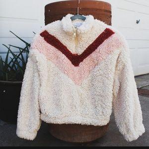 🆕️//Fall Essentials// Fluffy Pullover Sweater
